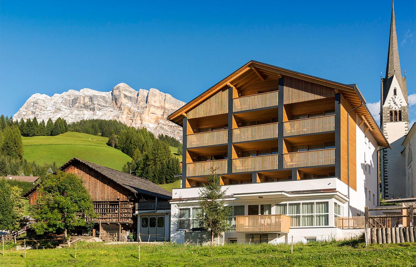 Il cavallino camere appartamenti in val badia - Residence val badia con piscina ...